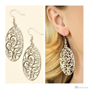 Glistening Gardens - Silver Filigree Oval Earrings